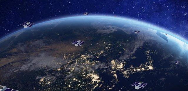 Archivo - Simulación de los nanosatélites que lanzará Sateliot
