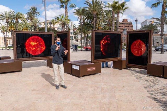 Presentación de la exposición 'Otros Mundos' de Michael Benson