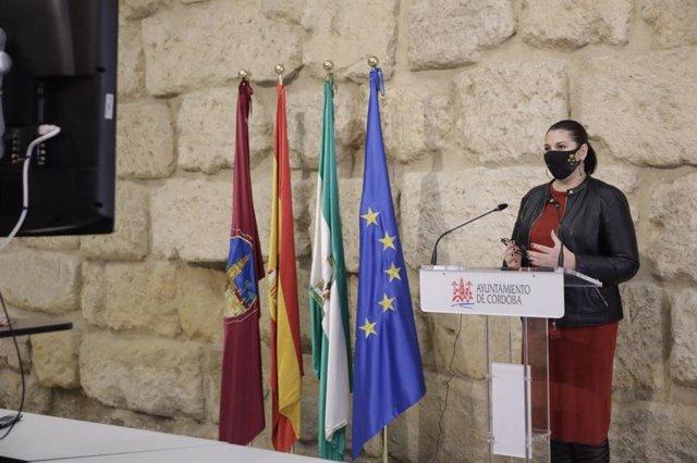 La teniente de alcalde delegada de Mayores del Ayuntamiento de Córdoba, Eva Contador.