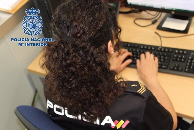 Archivo - VÍDEO: Detenidos 19 ciberestafadores que vaciaban las cuentas corrientes de sus víctimas a través del 'SIM swapping'