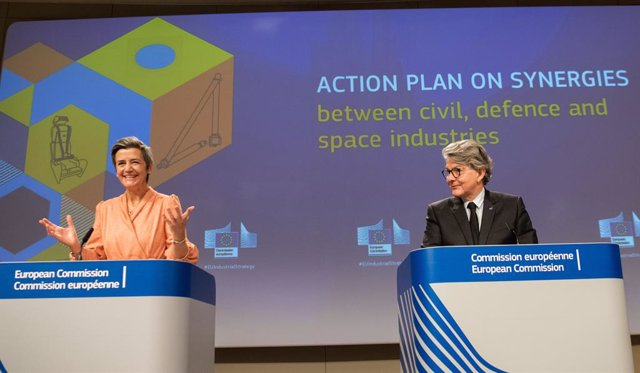 HANDOUT - 22 February 2021, Belgium, Brussels: European Commissioner for Internal Market Thierry Breton (R) and Executive Vice President of the European Commission for A Europe Fit for the Digital Age Margrethe Vestager attend a press conference to presen