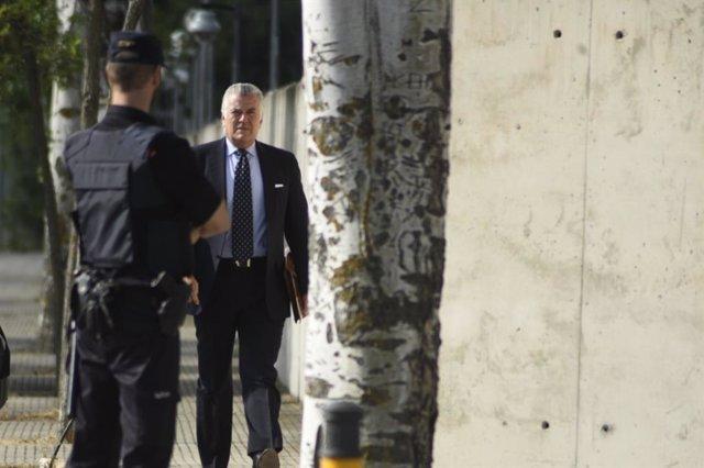 Archivo - Luis Bárcenas llega a la Audiencia Nacional para declarar por Gürtel
