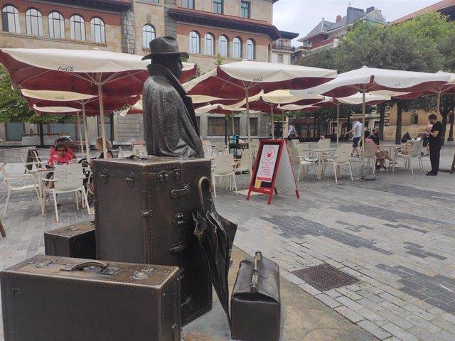 Archivo - Terraza hostelera en Oviedo