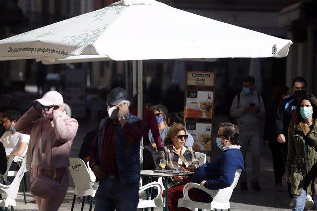Reapertura de la hostelería y la actividad comercial no esencial en Málaga en una imagen de archivo