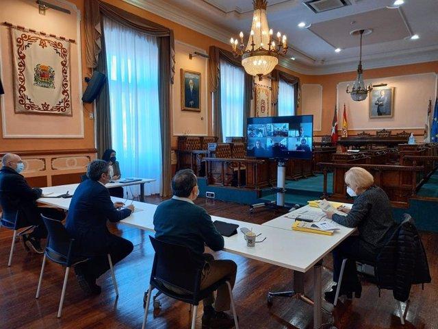 Reunión de la comisión de seguimiento para la regeneración urbana y desarrollo en el ámbito del espacio ferroviario de Irun