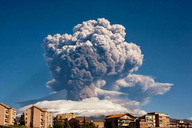 16 February 2021, Italy, Catania: Mount Etna erupts in Sicily island, the mountain is over 3,300 metres high and is a UNESCO World Heritage site. The Catania airport has reopened after temporarily closing due to the eruption, the ANSA news agency reported