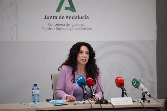 La consejera de Igualdad, Políticas Sociales y Conciliación, Rocío Ruiz