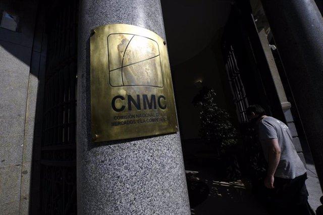 Archivo - Edificio de la CNMC, en Madrid