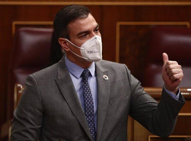El presidente del Gobierno, Pedro Sánchez, interviene durante su turno de respuesta en una sesión de Control al Gobierno celebrada en el Congreso de los Diputados, en Madrid, (España), a 17 de febrero de 2021. El pleno, en medio de las discrepancias entre