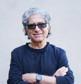 Fitbit colabora con el doctor Deepak Chopra para lanzar el 'Método Mindful' para sus suscriptores premium.
