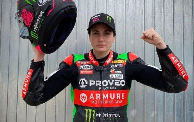 Ana Carrasco, ya recuperada de su lesión