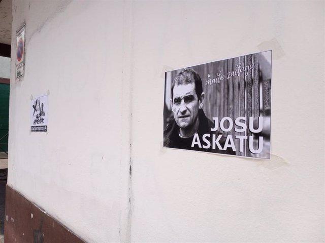 Archivo - Cartel de apoyo a Josu Ternera en su pueblo natal, Ugao-Miraballes (Vizcaya)
