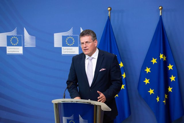 HANDOUT - 26 January 2021, Belgium, Brussels: European Commissioner for Inter-institutional Relations and Foresight Maros Sefcovic gives a statement on European battery alliance at the European Commission headquarters in Brussels. Photo: -/European Commis