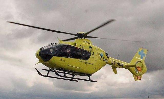 Archivo - Helicóptero medicalizado de Sacyl.