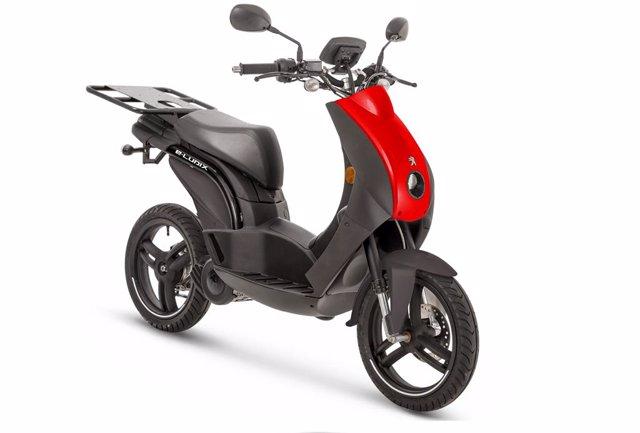 Peugeot Motocycles lanza en España la versión profesional de su scooter eléctrico e-Ludix.