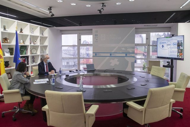 El conselleiro Francisco Conde en la mesa redonda Colaboración público-privada en investigación en saúde: Unidades Mixtas como modelo de éxito