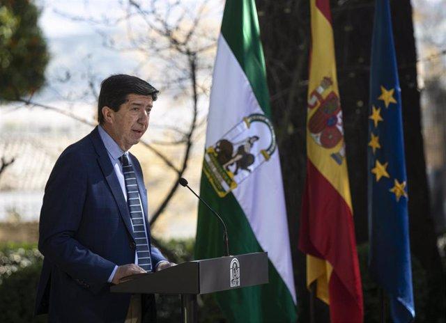 El vicepresidente de la Junta, Juan Marín, durante su intervención, tras la reunión semanal del Consejo de Gobierno de la Junta de Andalucía, celebrada hoy en el municipio de Ronda. En Málaga (Andalucía, España), a 23 de febrero de 2021.