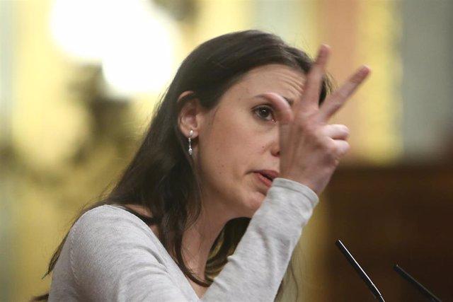 Archivo - La ministra de Igualdad, Irene Montero, interviene durante una sesión plenaria en el Congreso de los Diputados, en Madrid (España), a 2 de diciembre de 2020.