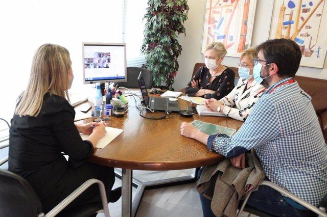 Mesa de trabajo sobre atención oncológica