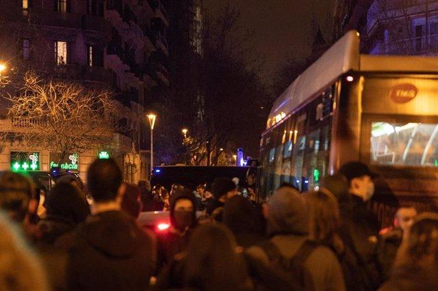 Barcelona ha vivido este martes la octava noche consecutiva de disturbios