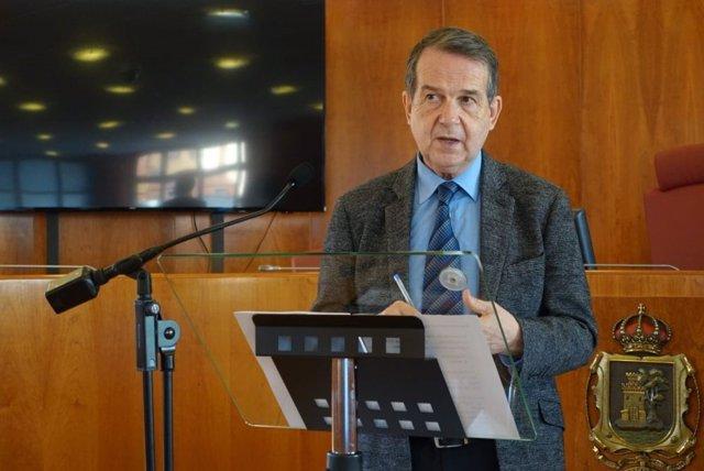 Archivo - El alcalde de Vigo, Abel Caballero, durante la rueda de prensa