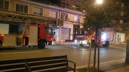 Un incendio en Avenida de Colón afecta al cableado y a diversos electrodomésticos