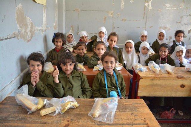 Solidarios sin Fronteras entrega desayunos en dos colegios