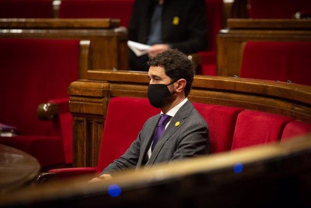 Archivo - Arxiu - El conseller de Territori i Sostenibilitat de la Generalitat, Damià Calvet, en una sessió plenària al Parlament. Catalunya (Espanya), 15 de desembre del 2020.