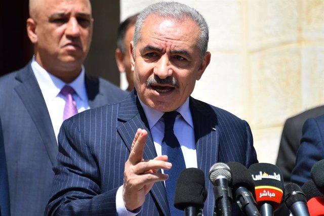 Archivo - El primer ministro de la Autoridad Palestina, Mohamad Shtayé