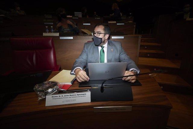 Archivo - El vicepresidente primero del Gobierno de Navarra, Javier Remírez, en un pleno del Parlamento de Navarra.