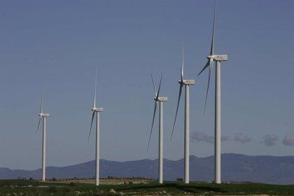 La potencia eólica instalada sube casi un 7% en 2020, hasta los 27.446 MW, según AEE