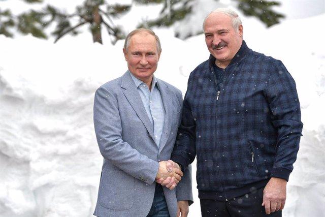 Imagen de los presidentes de Rusia y Bielorrusia, Vladimir Putin y Alexander Lukashenko, en Sochi.