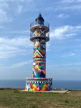 Archivo - Faro de Ajo pintado por Okuda