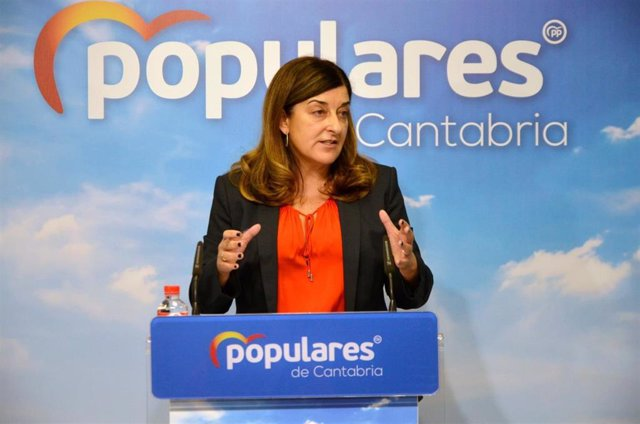 Archivo - La presidenta del PP de Cantabria, María José Saénz de Buruaga