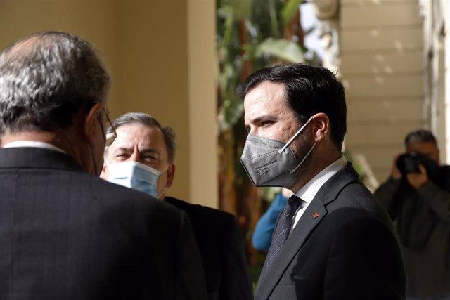 El ministro de Consumo, Alberto Garzón durante la visita al Ayuntamiento de Málaga a 24 de febrero 2021