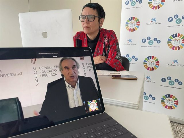 El conseller de Educación, Martí March, participa en la conferencia sobre dislexia organizada por Disfam y Caixabank.