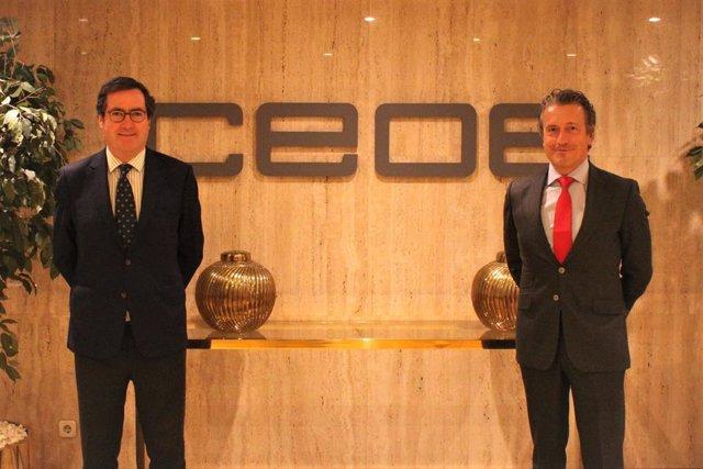 Antonio Garamendi, presidente de la CEOE, y Juan Ignacio Sanz, director general y consejero delegado de la compañía tecnológica Ibermática