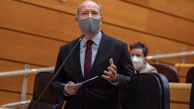 El ministro de Justicia, Juan Carlos Campo, en el Senado
