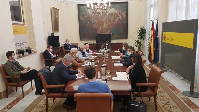 Las organizaciones representativas del sector agrario de Andalucía --Asaja, COAG, UPA y Cooperativas Agro-alimentarias-- en una reunión con el secretario general de Agricultura y Alimentación del Ministerio del ramo, Fernando Miranda.