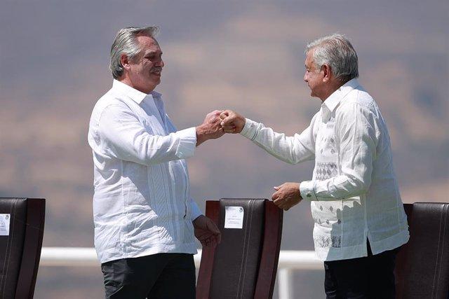 El presidente de Argentina, Alberto Fernández, junto a su homólogo mexicano, Andrés Manuel López Obrador.