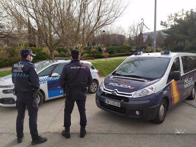 Agentes de la Policía Nacional y de la Policía Local