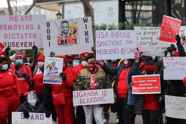 Archivo - Protesta contra el Gobierno de Yoweri Museveni en Nueva York