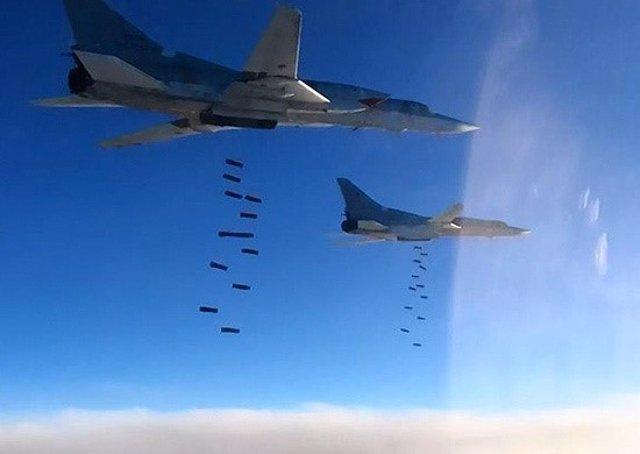 Archivo - Aviones rusos bombardean objetivos de Estado Islámico en Siria