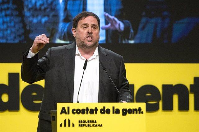El líder d'ERC, Oriol Junqueras, durant un acte central de campanya electoral a Girona. Foto d'arxiu.