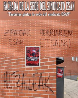 Pintadas en la sede de Esan en Barakaldo (Bizkaia)