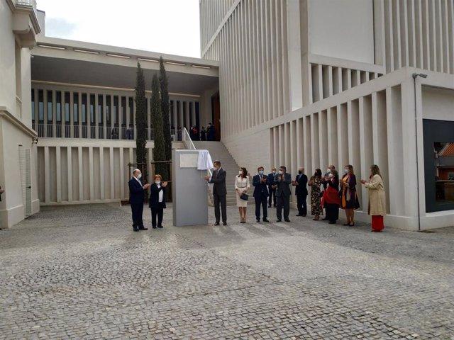 Los Reyes inauguran el Museo de Arte Contemporáneo Helga de Alvear en Cáceres