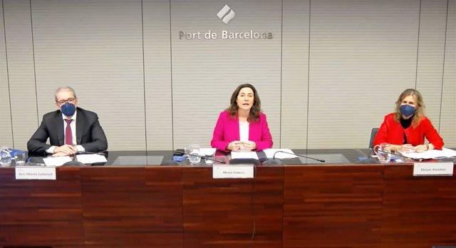 La presidenta de la infraestructura, Mercè Conesa,  el director general José Alberto Carbonell i la sots-directora general de l'Àrea Econòmica i Financera, Miriam Alaminos.