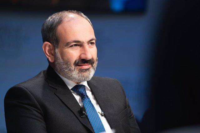 Archivo - El primer ministro de Armenia, Nikol Pashinián, en su intervención en el Foro Económico Mundial de 2019, en Davos