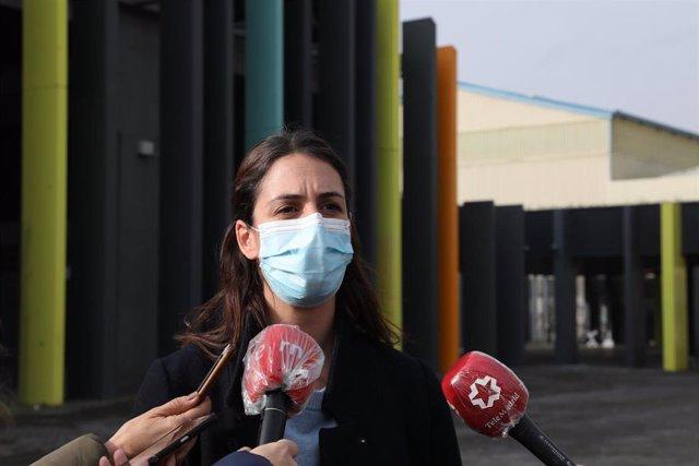 La portavoz de Más Madrid en el Ayuntamiento, Rita Maestre, se dirige a los medios tras presentr una propuesta de ampliación de BiciMAD para que llegue a todos los barrios