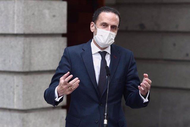 El portavoz adjunto de Ciudadanos en el Congreso de los Diputados, Edmundo Bal, haciendo declaraciones a los periodistas en la Cámara Baja.